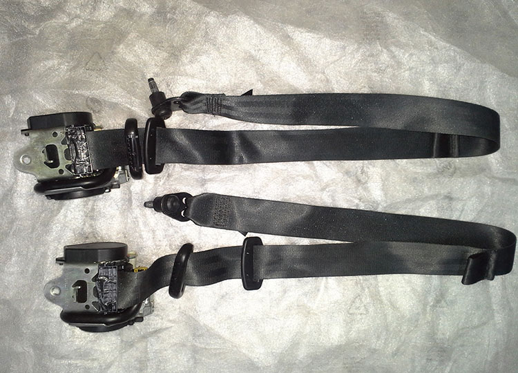cinturones pretensores ford focus 2010